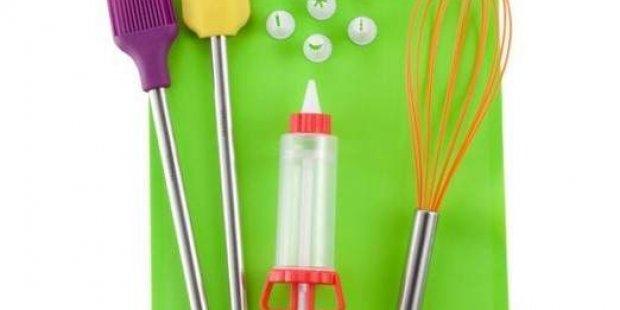 I 10 utensili di base da avere in cucina per fare il pasticcere